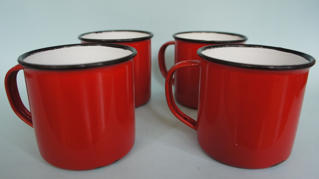 Image of: Enamel Mugs in Red