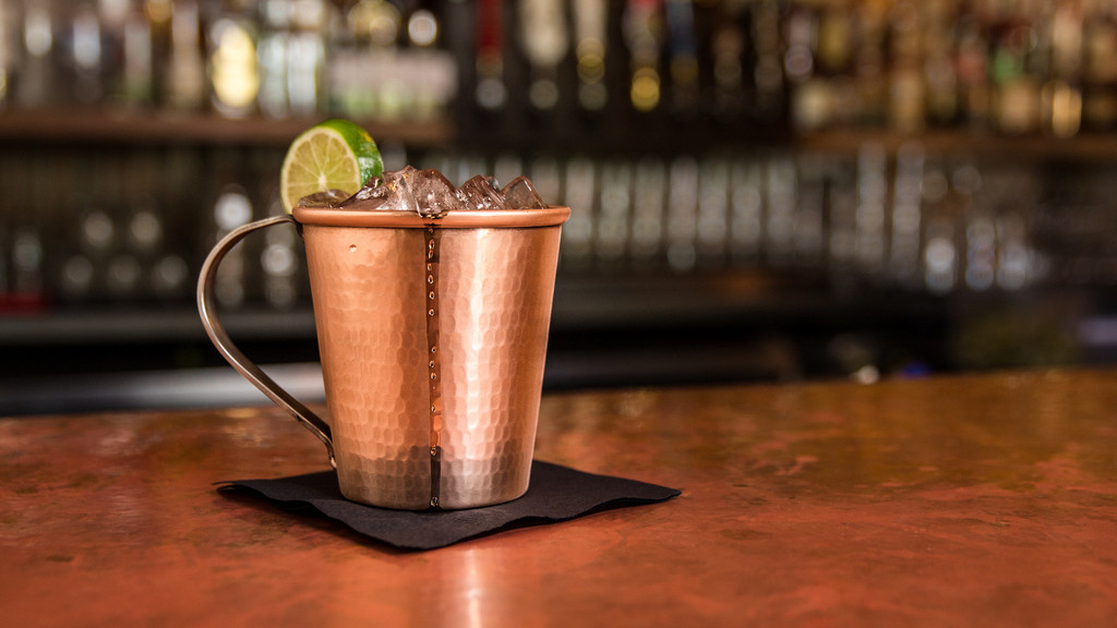 Image of: Great Copper Mug Bar