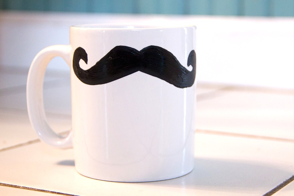 Image of: Mustache Mug DIY