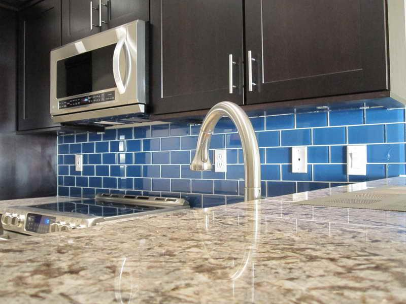 Image of: Stunning Glass Subway Tile Backsplash Blue
