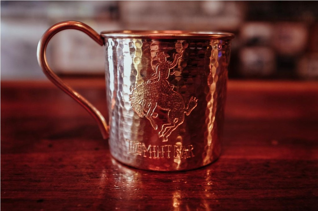 Image of: Vintage Copper Mug Bar