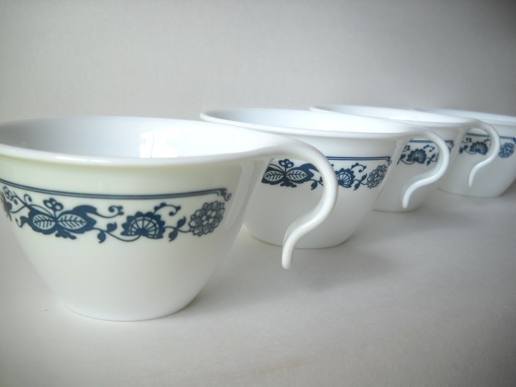 Image of: Vintage Corelle Mugs