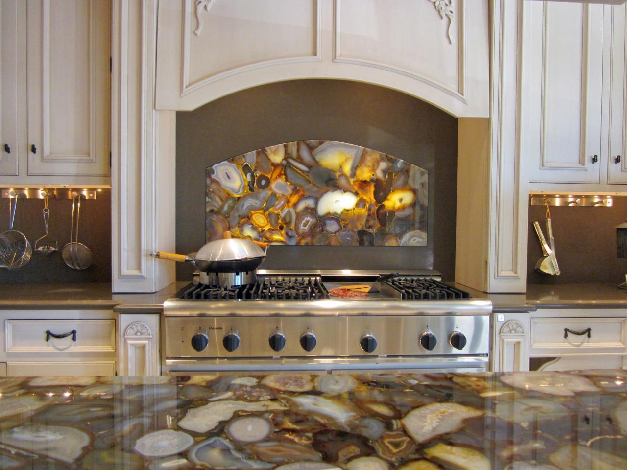 Image of: Backsplash Designs Behind Stove Designs Ideas