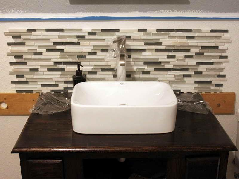 Image of: bathroom tile backsplash