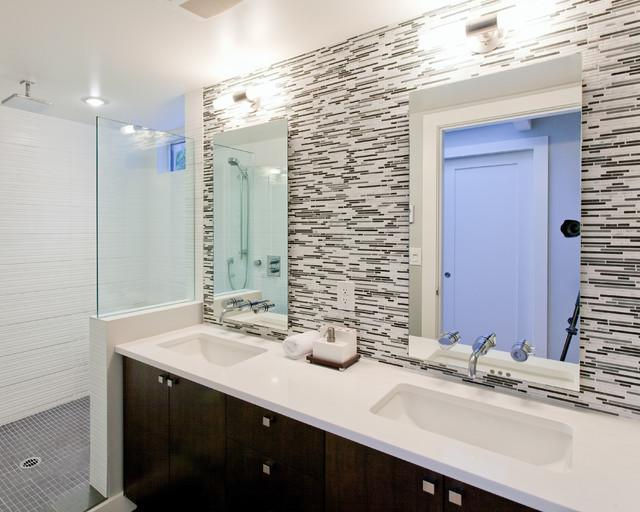 Image of: bathroom vanity backsplash ideas