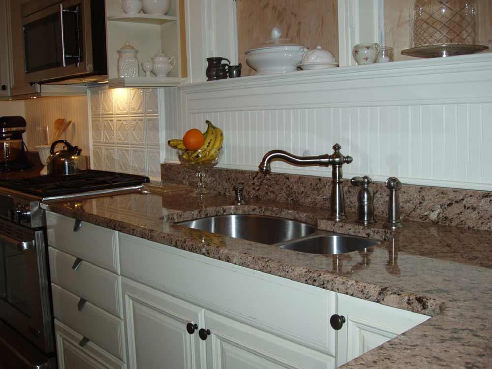 Image of: beadboard as backsplash in kitchen