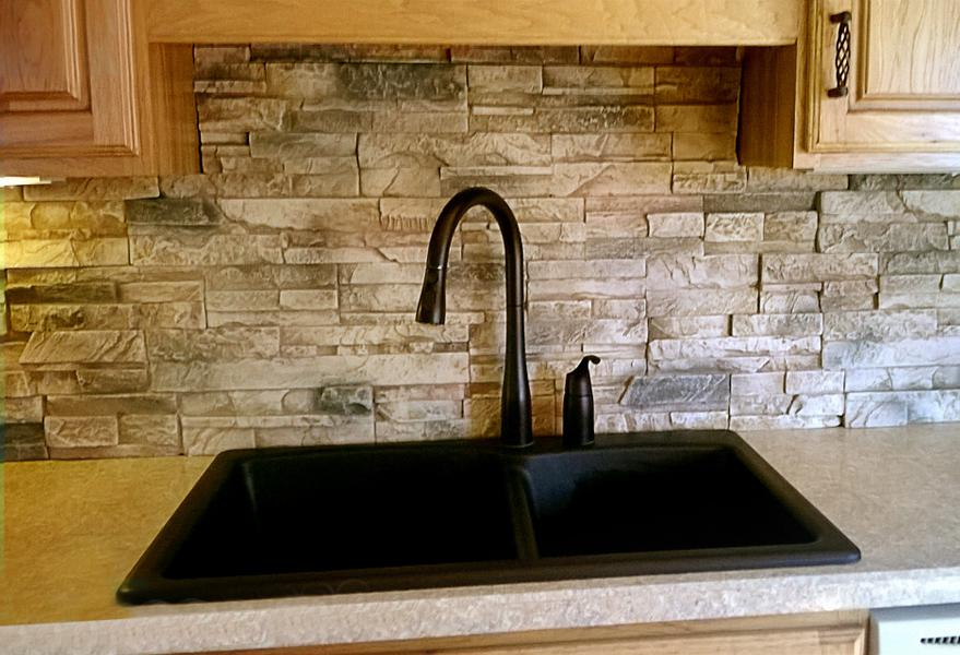 Image of: faux brick backsplash in kitchen