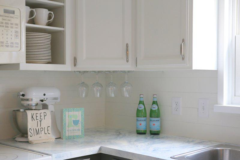 Image of: faux shiplap backsplash