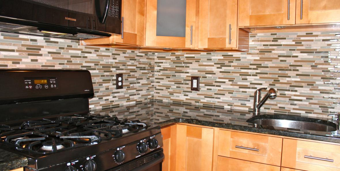 Image of: glass mosaic tile backsplash