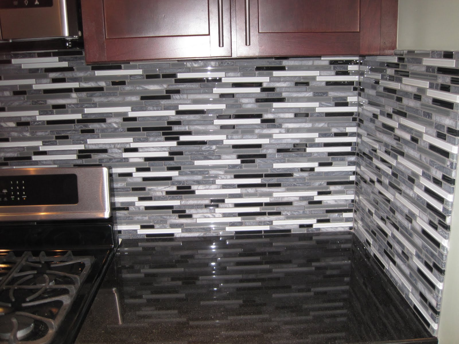 Image of: glass tile backsplash ideas
