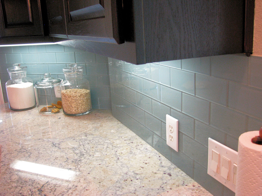 Image of: glass tile backsplash pictures