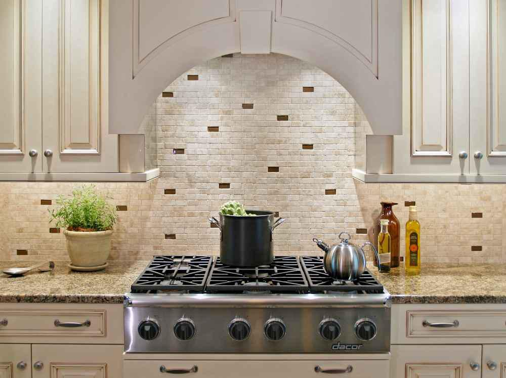 Image of: grey and white kitchen backsplash