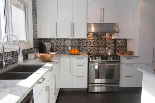 Image of: grey moroccan backsplash