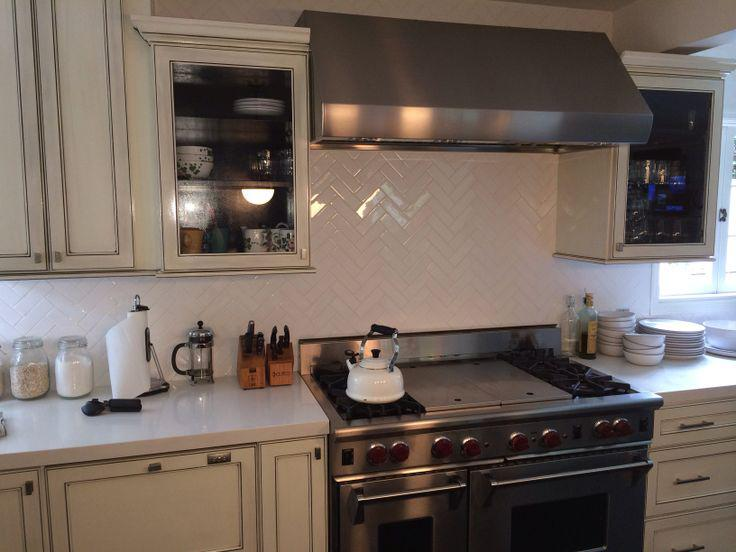 Image of: herringbone backsplash tiles ideas