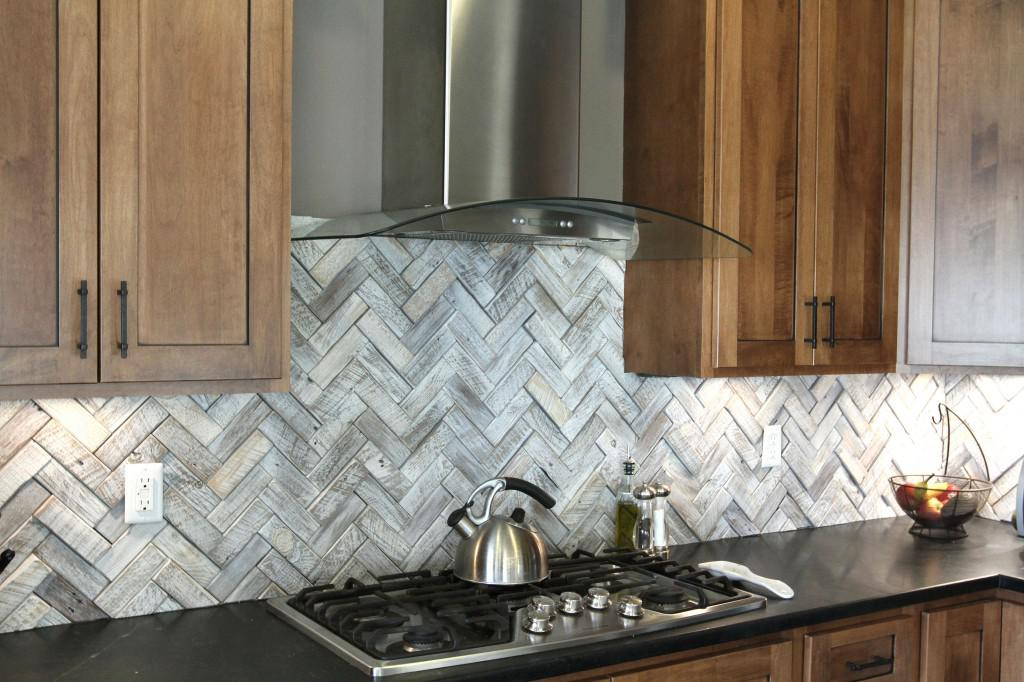Image of: Herringbone Tile Backsplash Designs Ideas