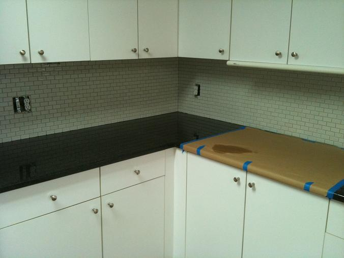 Image of: installing glass tile backsplash