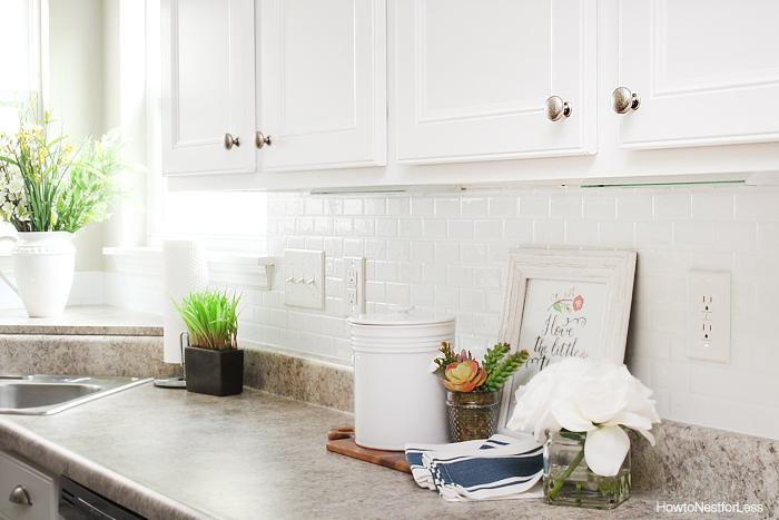 Image of: kitchen backsplash adhesive