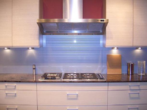 Image of: modern kitchen glass backsplash