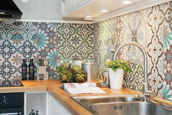 Image of: moroccan inspired backsplash