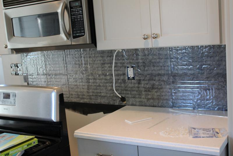 Image of: Peel And Stick Backsplash Kits Designs Ideas