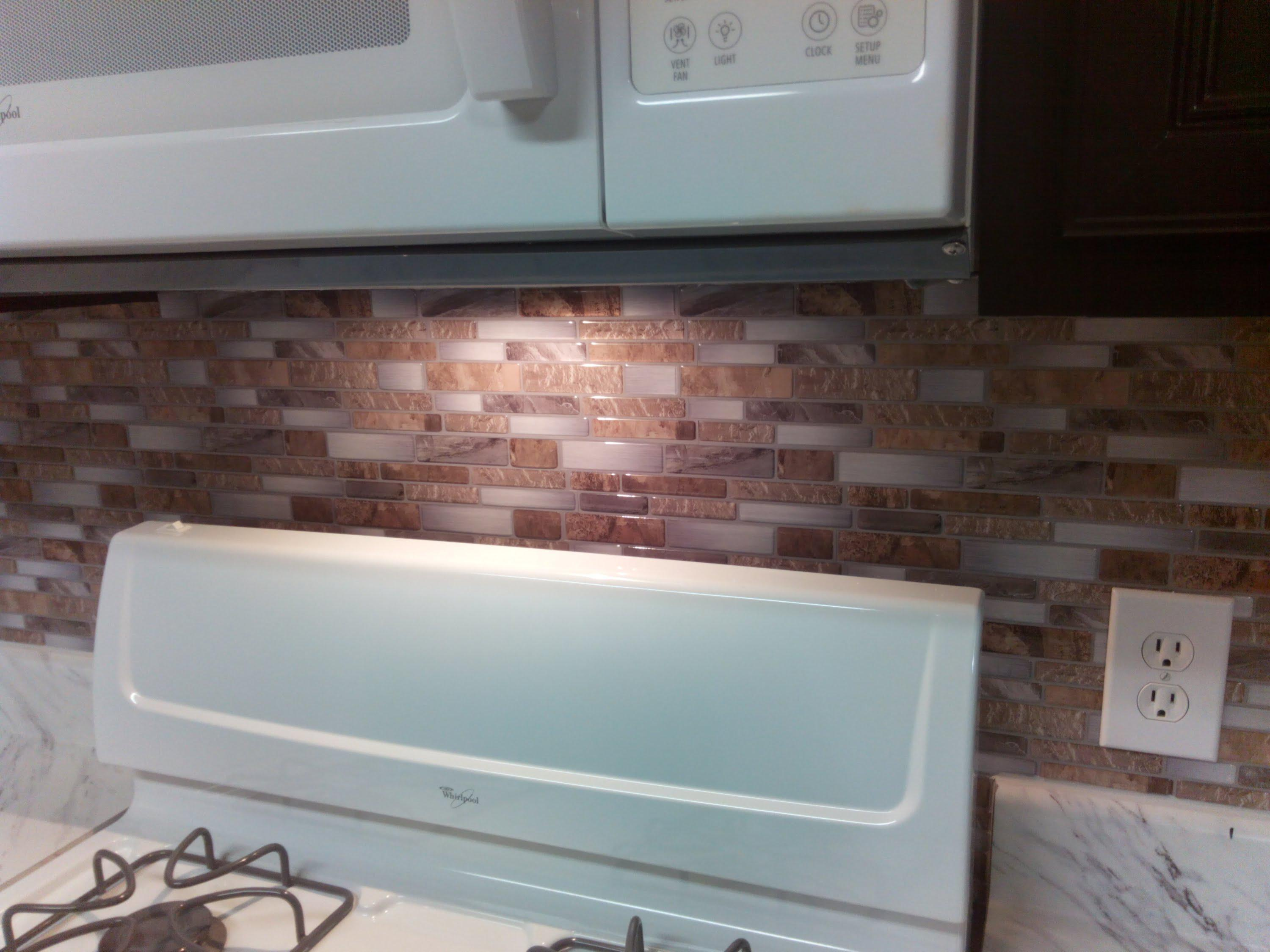 Image of: Peel And Stick Kitchen Backsplash Designs Ideas