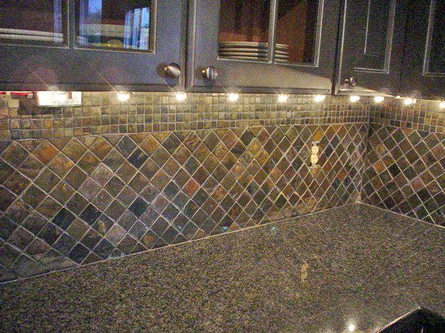 Image of: slate backsplash tiles for kitchen