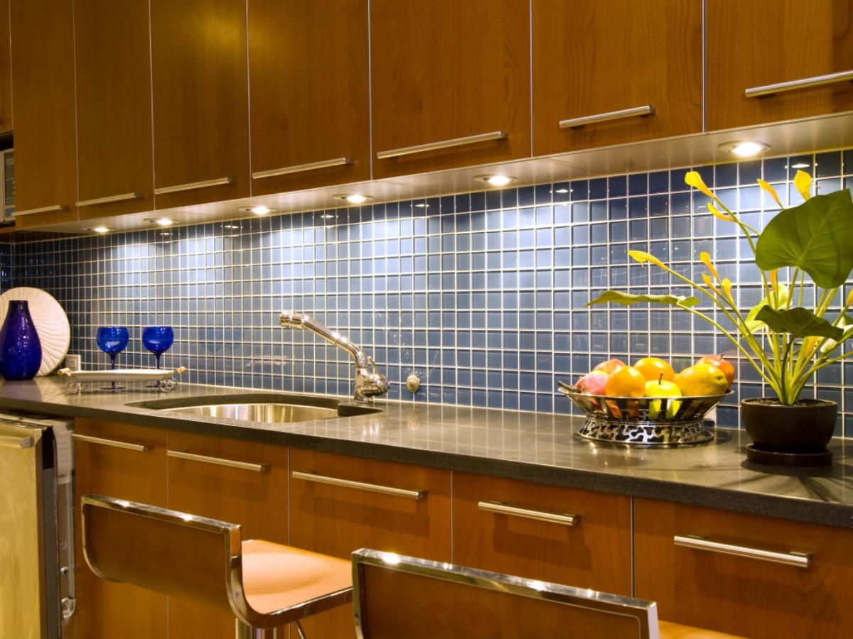 Image of: square glass tile backsplash