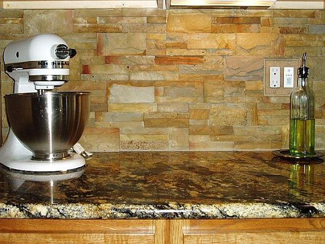Image of: stacked stone backsplash kitchen