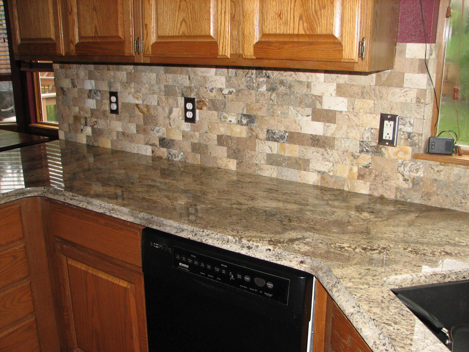 Image of: Stone Mosaic Backsplash Tile Designs Ideas