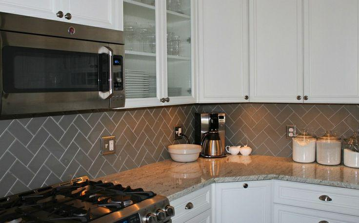 Image of: Subway Tile Herringbone Backsplash Designs Ideas