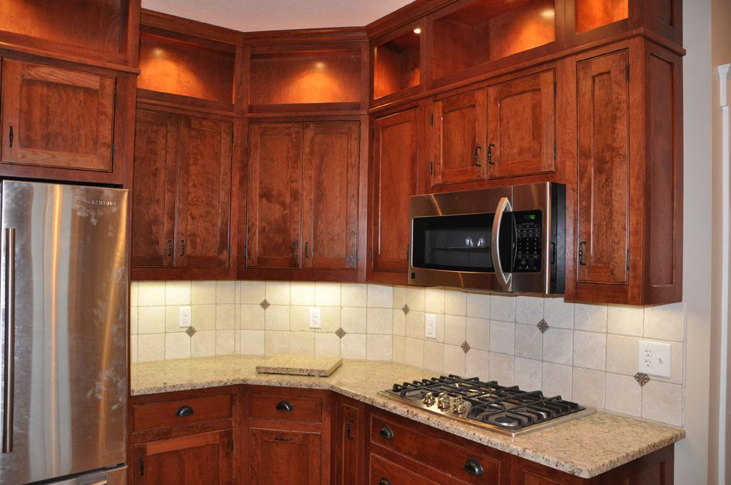 Image of: tile backsplash above granite backsplash