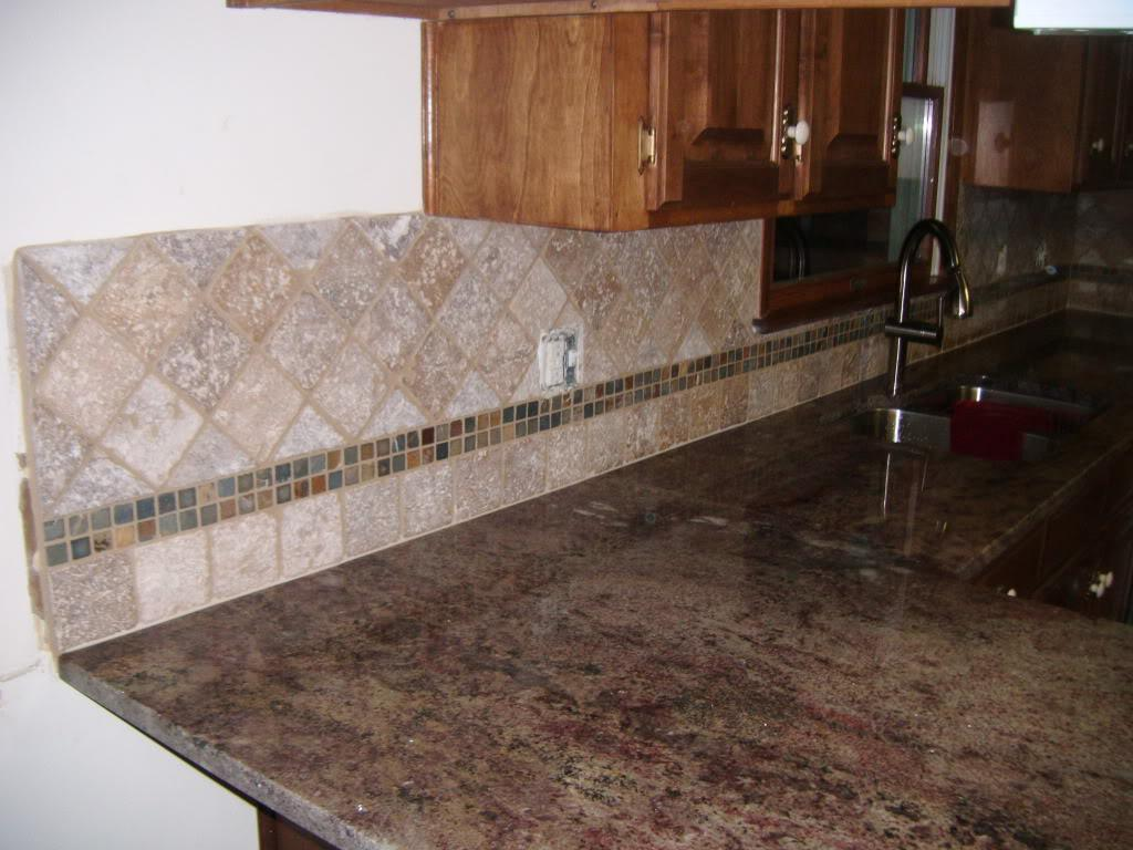 Image of: tile backsplash around outlets