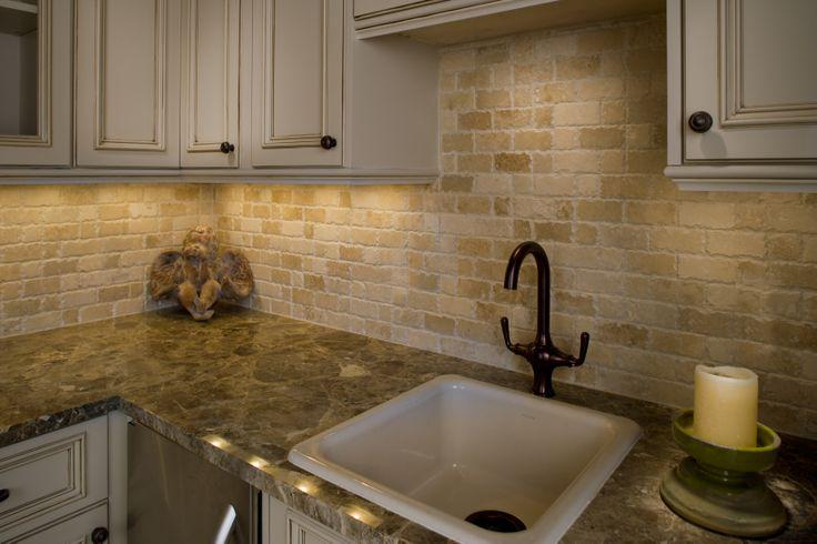 Image of: travertine backsplash ideas