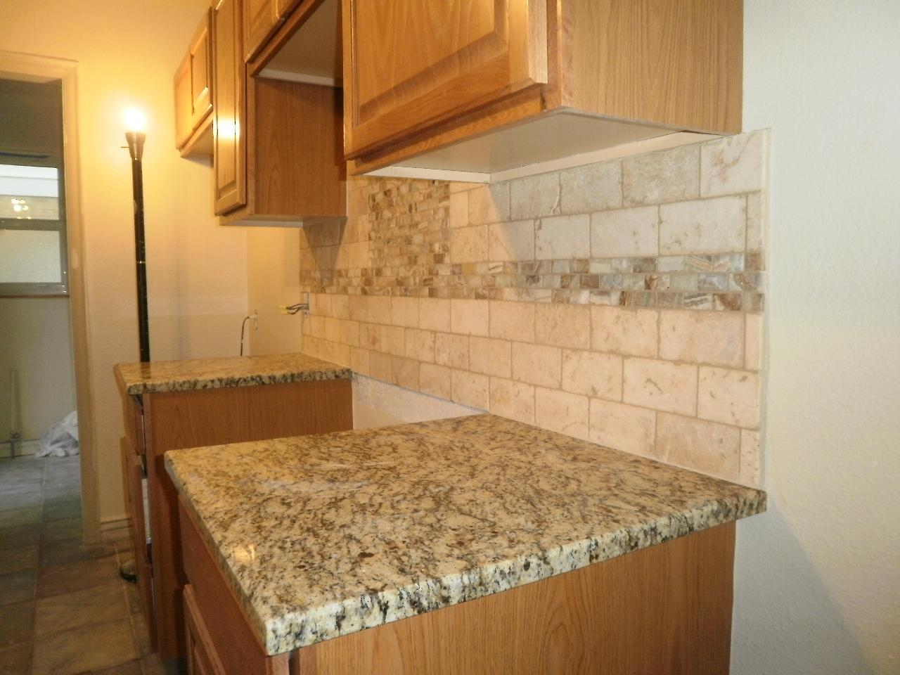 Image of: Travertine Backsplash Tile Designs Ideas
