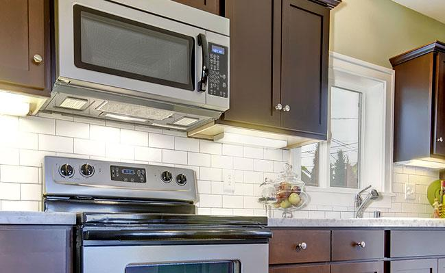 Image of: white arabesque tile backsplash