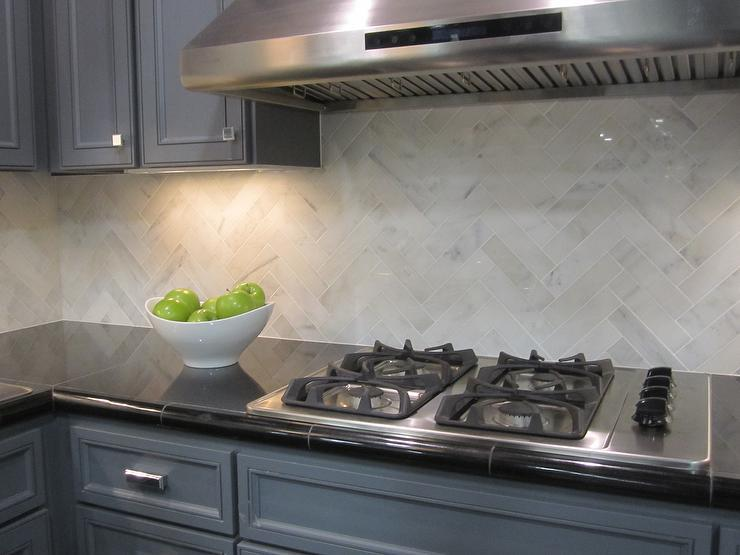 Image of: White Herringbone Tile Backsplash Designs Ideas