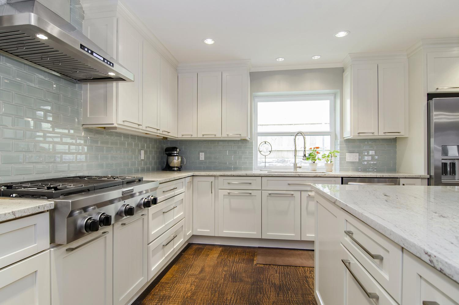 Image of: white kitchen backsplash