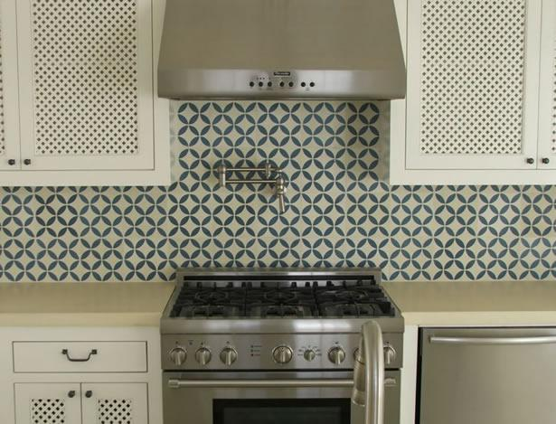 Image of: white moroccan backsplash
