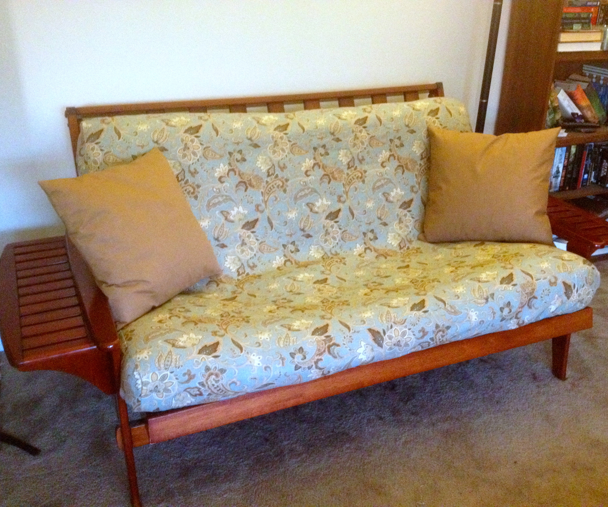 Image of: Full Size Futon Cover Living