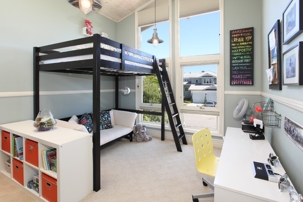Image of: Ladder Bunk Beds with Futon