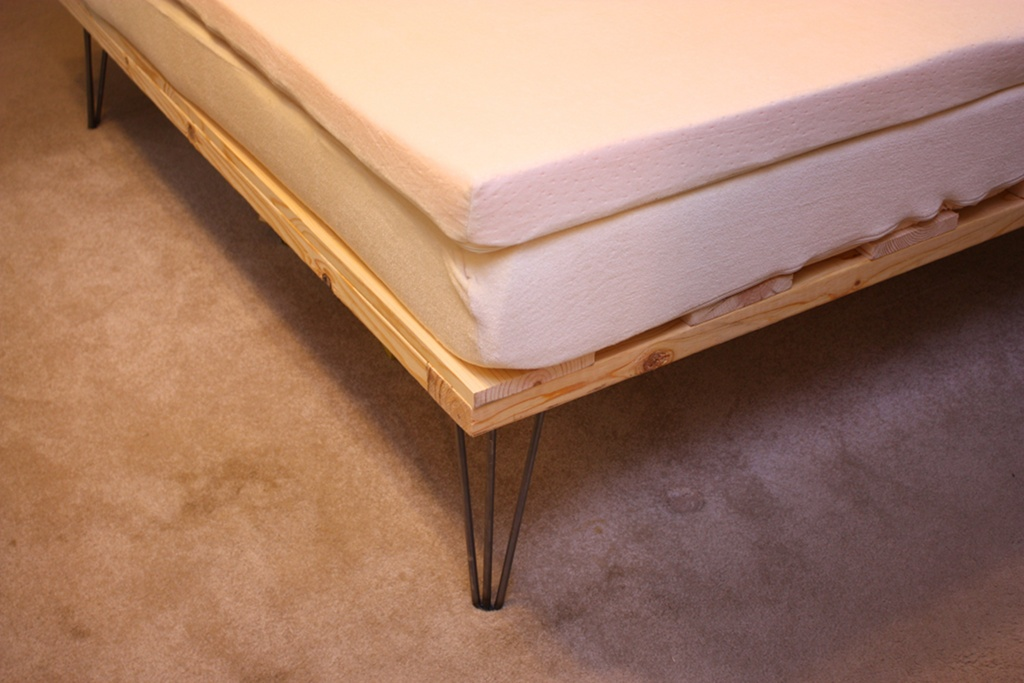 Image of: Memory Foam Futon DIY