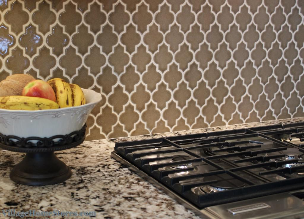 Image of: Quatrefoil backsplash ideas