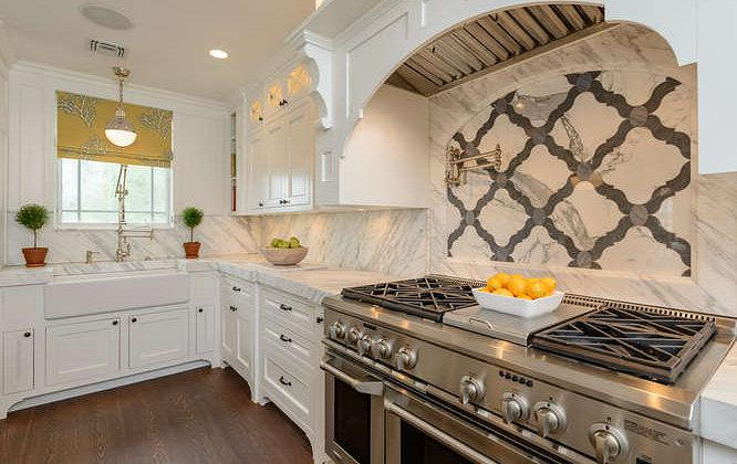 Image of: Quatrefoil Backsplash Unique Designs Ideas