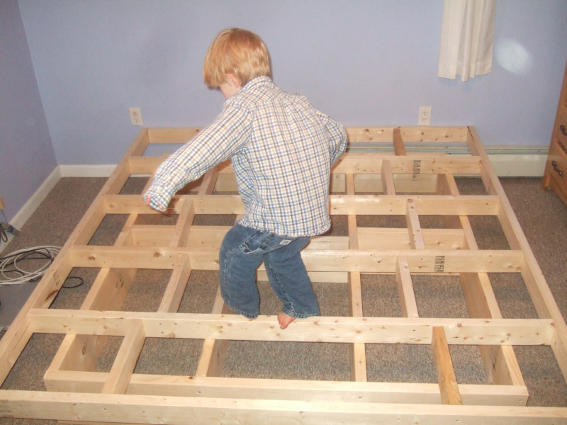 Image of: Wooden Futon Frame Homemade