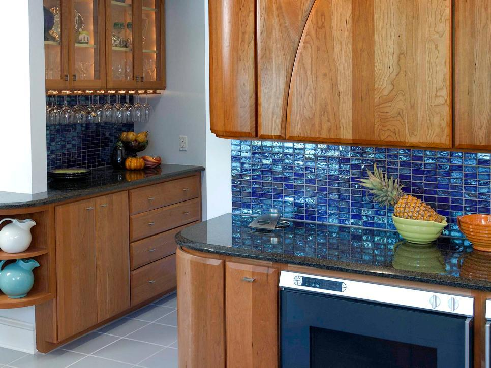 Image of: Blue Glass Tiles Backsplash Ideas Inexpensive