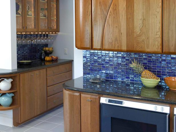 Image of: Small Blue Glass Tile Backsplash Ideas