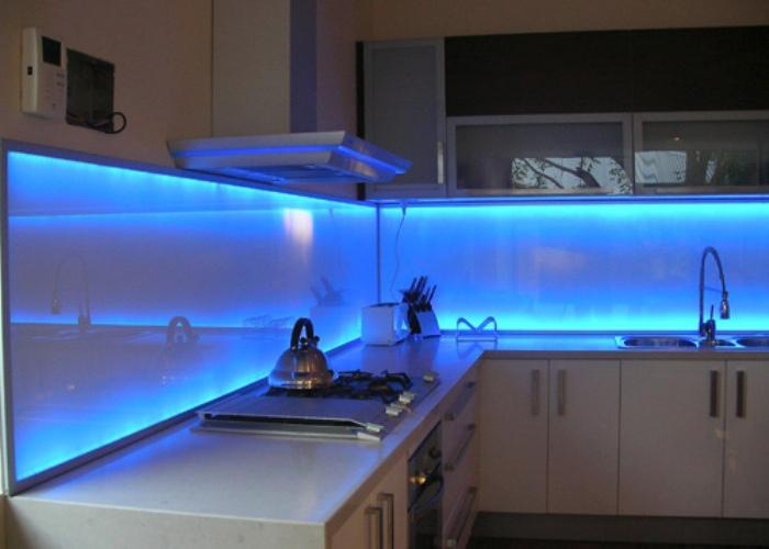 Image of: blue glass tiles for backsplash