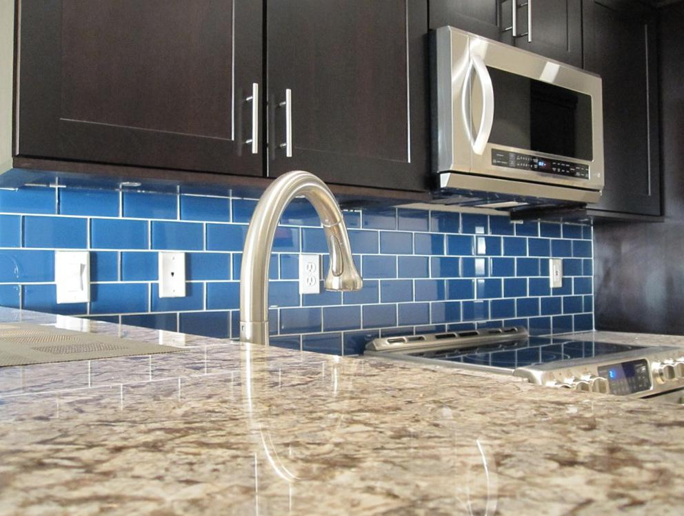 Image of: blue green glass tile kitchen backsplash
