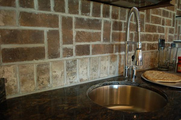 Image of: brick tile backsplash kitchen