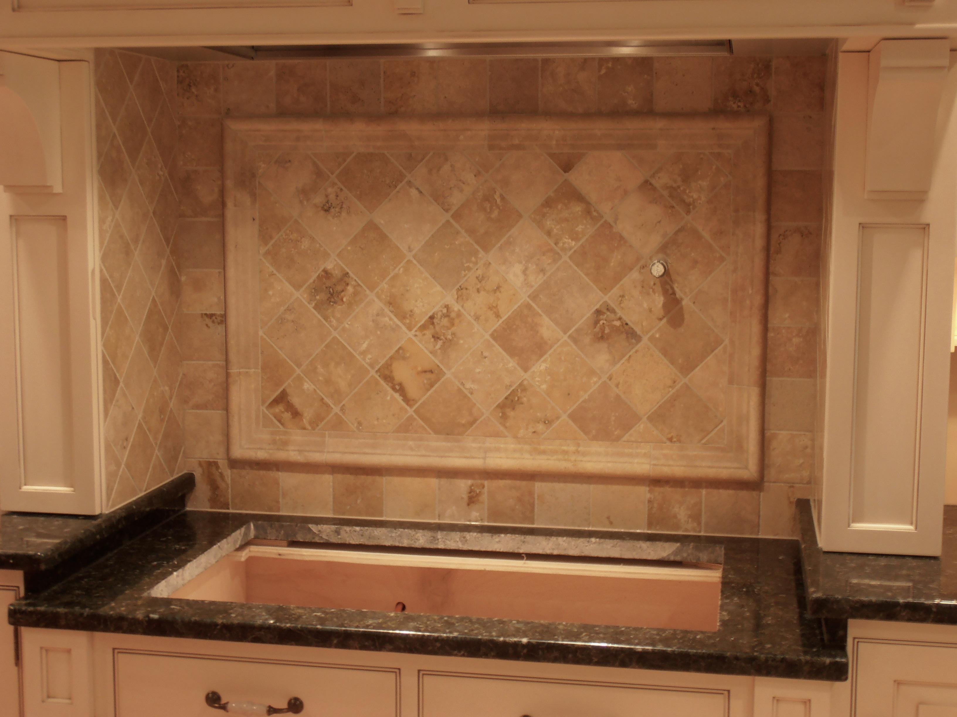 Image of: Brown Glass Travertine Mix Backsplash Tile Ideas